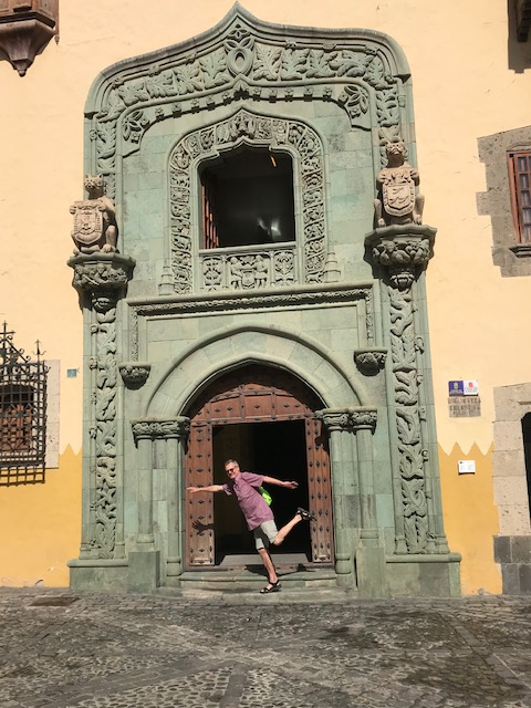 Mit der Buslinie 1 ist man ruckizucki in der Altstadt von Las Palmas.