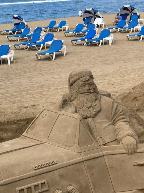 Auch der Weihnachtsmann mag den feinen gelben Sand!